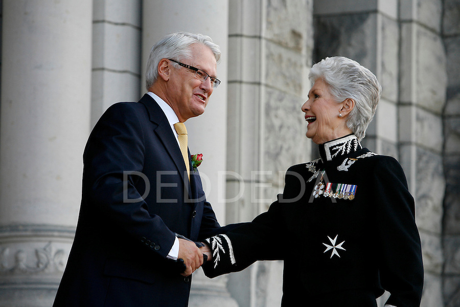 Lieutenant Governor Iona Campagnolo shakes hands with British Columbia Premier Gordon Campbell prior to the Speech from the Throne at the British Columbia Legislature in Victoria. Photo assignment for Canadian Press (CP) news wire service.