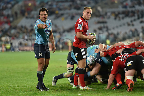 23.05.2015.  Sydney, Australia. Super Rugby. NSW Waratahs versus the Crusaders. Waratahs scrum half Nick Phipps points something out to the officials at the scrum. The Waratahs won 32-22.
