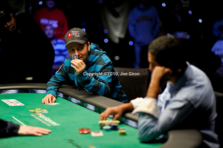Daniel Negreanu is knocked out by Faraz Jaka.