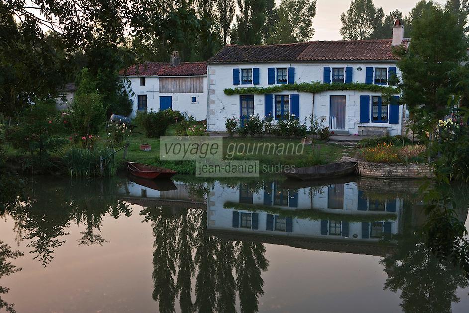 Europe/France/Poitou-Charentes/79/Deux-Sèvres/Coulon: Marais poitevin et maison maraichine sur les bords de la Sèvre Niortaise