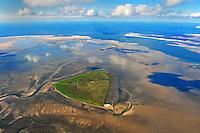 Wattenmeer vor Suederoog mit den Saenden: EUROPA, DEUTSCHLAND, SCHLESWIG- HOLSTEIN,(EUROPE, GERMANY), 29.09.2010: Die Hallig Suederoog im Nordfriesischen Wattenmeer versteckt sich hinter den Saenden Suederoogsand (links) und Norderoogsand (rechts). Die Saende werden mit der Zeit zu Inseln.Abgeschieden von der Zivilation sind sie jetzt schon Vogelinseln.