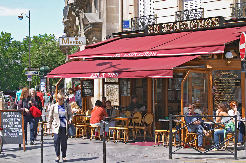 Au Sauvignon, a wine bar and restaurant in Paris with a sunny terrasse Paris, France.