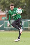 13.09.2017, Trainingsgelaende, Bremen, GER, 1.FBL, Training SV Werder Bremen<br /> <br /> im Bild<br /> Michael Zetterer (Werder Bremen #30), <br /> <br /> Foto &copy; nordphoto / Ewert