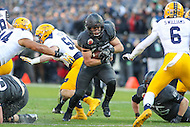 Baltimore, MD - December 10, 2016: Army Black Knights running back Andy Davidson (40) in runs the ball during game between Army and Navy at  M&T Bank Stadium in Baltimore, MD.   (Photo by Elliott Brown/Media Images International)