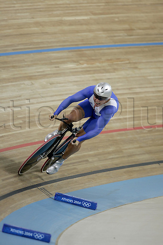 20 August 2004: British cyclist Craig MacLean (GBR) competing in the Men's 1km Time Trial Final held at the Olympic Velodrome. 2004 Olympic Games, Athens, Greece. Photo: Neil Tingle/Action Plus...040820 olympics olympic bicycle bike track cycling velodrome man men mens