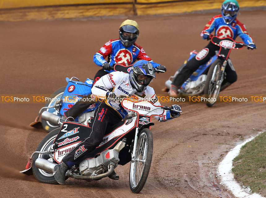 Heat 1: Piotr Swiderski (blue) ahead of Andreas Jonsson (green) and Leigh Lanham - Ipswich Witches vs Lakeside Hammers - Craven Shield Speedway at Foxhall Stadium, Ipswich - 21/03/08 - MANDATORY CREDIT: Gavin Ellis/TGSPHOTO - Self billing applies where appropriate - Tel: 0845 094 6026