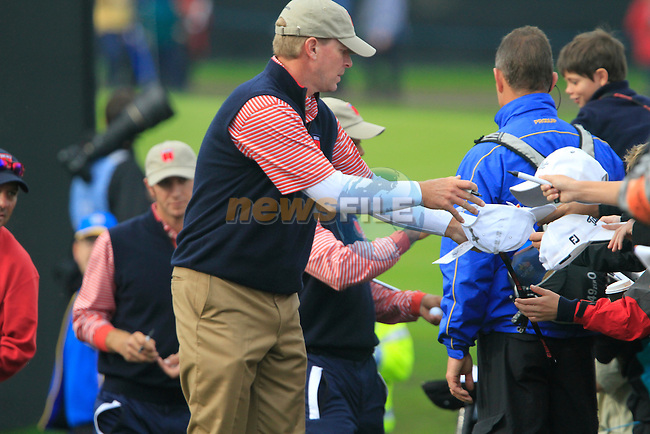Steve Stricker signs autographs on the 6th tee during Practice Day 3 of the The 2010 Ryder Cup at the Celtic Manor, Newport, Wales, 29th September 2010..(Picture Eoin Clarke/www.golffile.ie)
