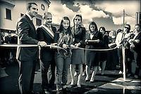 """Il presidente dell'Unicef Italia al taglio del nastro per l' Inaugurazione del """"Parco della legalità"""" di Casapesenna. Accanto a lui il Sindaco Zagaria di Casapesenna e il baby sindaco Diana."""