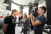 SCHAATSEN: HEERENVEEN: 23-09-2014, Perspresentatie Team Clafis, Interview Jorrit Bergsma, ©foto Martin de Jong