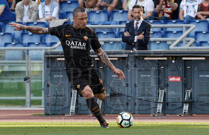 Roma s Radja Nainggolan in action during the Italian Serie A football match between Roma and Chievo Verona at Rome's Olympic stadium, 28 April 2018.<br /> UPDATE IMAGES PRESS/Riccardo De Luca