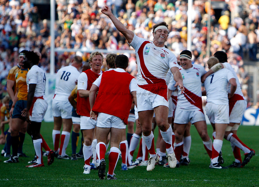 Photo: Richard Lane/Richard Lane Photography..Australia v England. Quarter Final, IRB Rugby World Cup, RWC 2007. 06/10/2007. .England's Andy Gomarsall celebrates victory.
