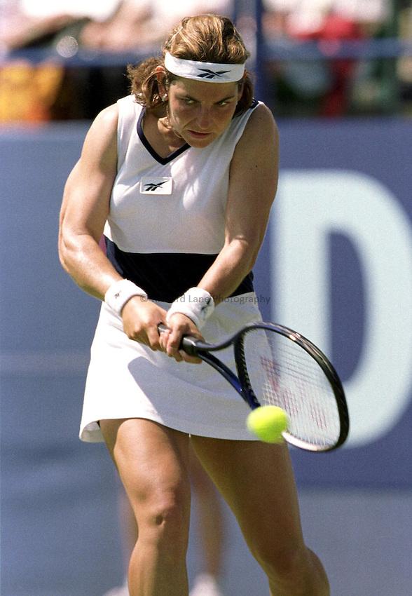 Photo. Richard Lane. .International Ladies Tennis, Eastbourne. 19/6/99..Arantxa Sanchez Vicario..