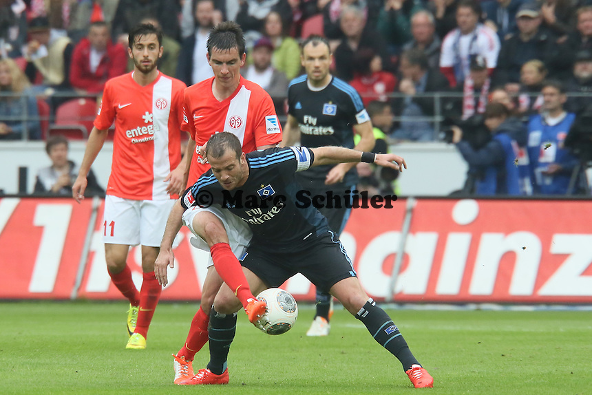 Christoph Moritz (Mainz) gegen Rafael van der Vaart (HSV) - 1. FSV Mainz 05 vs. Hamburger SV, Coface Arena, 34. Spieltag