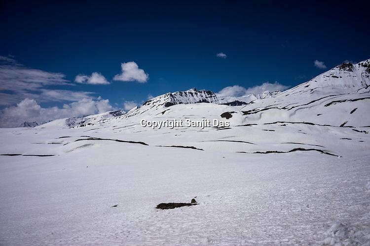 Snow covered pass of Baralacha la (pass) on the Leh Manali highway.