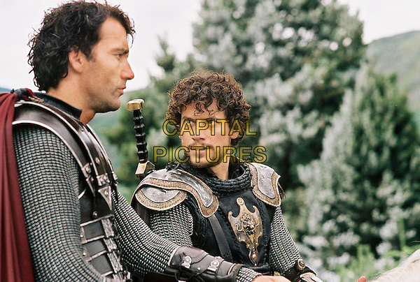 King Arthur (2004)<br /> Clive Owen and Ioan Gruffudd  <br /> *Filmstill - Editorial Use Only*<br /> CAP/KFS<br /> Image supplied by Capital Pictures