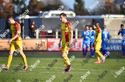 2016-11-27 / Voetbal / Seizoen 2016-2017 / KFC Duffel - Grimbergen / Teleurstelling bij Duffel na een Grimbergs doelpunt<br /> <br /> ,Foto: Mpics.be