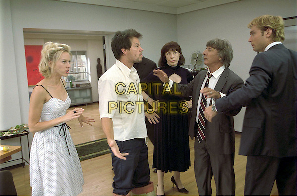 NAOMI WATTS, MARK WAHLBERG, LILY TOMLIN, DUSTIN HOFFMAN & JUDE LAW.in I Heart Huckabees.*Editorial Use Only*.www.capitalpictures.com.sales@capitalpictures.com.Supplied by Capital Pictures.