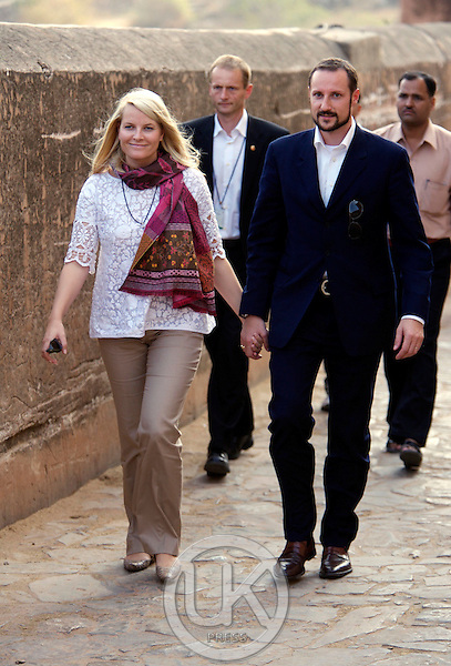 Crown Prince Haakon & Crown Princess Mette-Marit of Norway visit India. Visit to the Amber Fort near Jaipur.