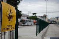 Rio de Janeiro-Rj 26/05/2014-OBRAS  BRT -Obras BRT na Rua Candido Benicio ,nessa tarde de segunda feira . Foto-Tércio Teixeira /Brazil Photo Press