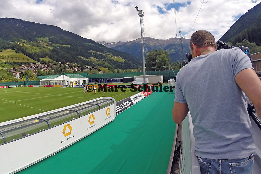 Viel Medienpräsenz beim Training der Nationalmannschaft - Training der DeutschenNationalmannschaft   im Rahmen der WM-Vorbereitung in St. Martin