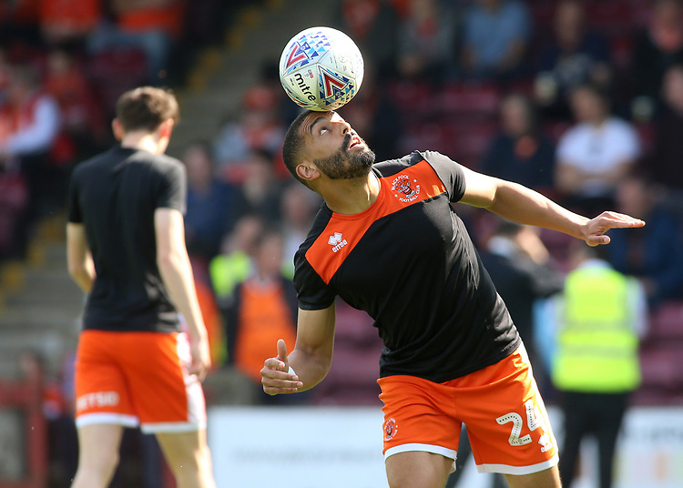 Blackpool's Liam Feeney shows off some impressive skill during the pre-match warm-up <br /> <br /> Photographer David Shipman/CameraSport<br /> <br /> The EFL Sky Bet League One - Scunthorpe United v Blackpool - Friday 19th April 2019 - Glanford Park - Scunthorpe<br /> <br /> World Copyright © 2019 CameraSport. All rights reserved. 43 Linden Ave. Countesthorpe. Leicester. England. LE8 5PG - Tel: +44 (0) 116 277 4147 - admin@camerasport.com - www.camerasport.com