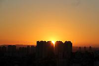 SAO PAULO, SP. 03 DE JANEIRO 2012. CLIMA TEMPO. Vista do bairro do Jabaquara , na noite desta terca-feira, 03. FOTO MILENE CARDOSO - NEWS FREE