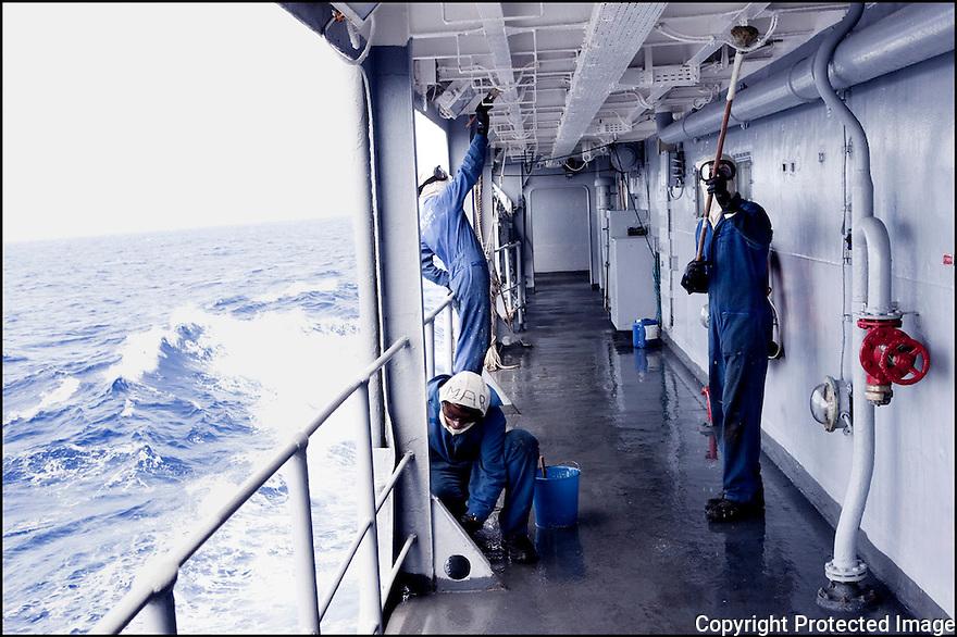 Février 2009/ Océan Indien/ Entretien du navire.