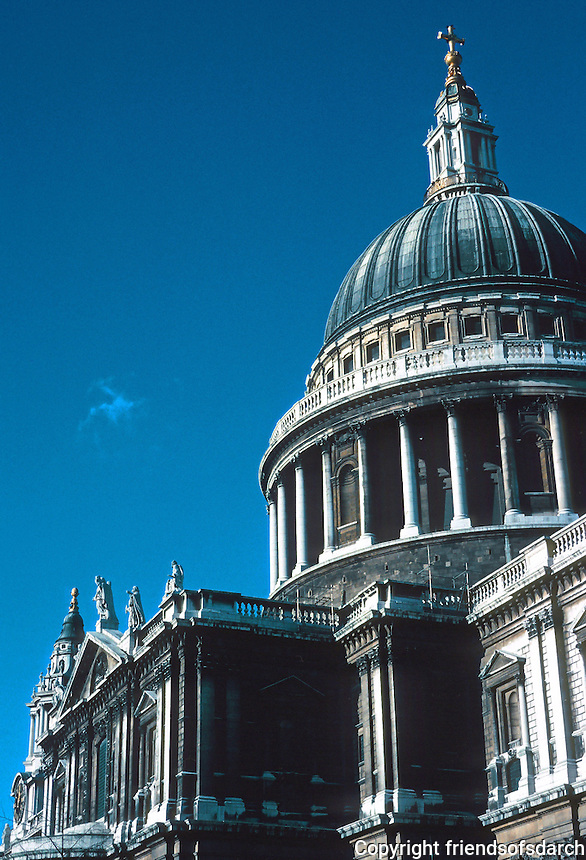 Sir Christopher Wren: St. Paul's Cathedral--dome and south transept. Photo '90.