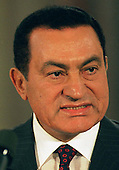 Washington, DC - September 28, 1995 - President Hosni Mubarak of Egypt speaks on the Israeli / PLO Interim Agreement during the signing ceremony in The East Room of The White House..Credit: Ron Sachs / CNP