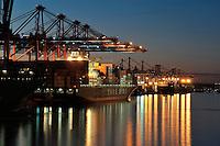 Eurogate: EUROPA, DEUTSCHLAND, HAMBURG, (EUROPE, GERMANY), 02.01.2009:  Abend, Abenddaemmerung, abends, beleuchtet, Beleuchtung, blaue, CGM, CMA, Container, Containerhafen, Containerkran, Containerschiff, Containerschiffe, Containerterminal, Containerverkehr, Daemmerung, Deutschland, Elbe, Eurogate, Europa, Export, Fluss, Fracht, Gueter, Hafen, Hamburg, Hamburger, Handel, Hansestadt, Import, Industrie, Konjunktur, Kraene, Kran, Licht, Lichter, Logistik, Predoehlkai, Reederei, Reise, reisen, Schiff, Schiffe, Schifffahrt, Sehenswuerdigkeit, Stadt, Staedte, Staedtereise, Stunde, Tourismus, Transport, Urlaub, Verfrachtung, Verladekraene, Verladekran, Waltershof, Waltershofer Hafen, Ware, Wasser, Wirtschaft, Yang Ming, ...c o p y r i g h t : A U F W I N D - L U F T B I L D E R . de.G e r t r u d - B a e u m e r - S t i e g 1 0 2, .2 1 0 3 5 H a m b u r g , G e r m a n y.P h o n e + 4 9 (0) 1 7 1 - 6 8 6 6 0 6 9 .E m a i l H w e i 1 @ a o l . c o m.w w w . a u f w i n d - l u f t b i l d e r . d e.K o n t o : P o s t b a n k H a m b u r g .B l z : 2 0 0 1 0 0 2 0 .K o n t o : 5 8 3 6 5 7 2 0 9.
