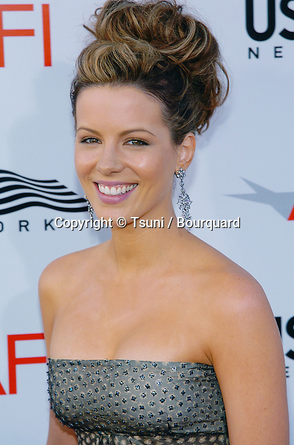 Kate Beckinsale arriving at the 32th AFI Life Achivement Awards honoring Meryl Streep at the Kodak Theatre in Los Angeles. June 10, 2004.