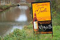 Canal du Midi. Domaine des Maels, Minervois AOC. Argens-Minervois. Languedoc. France. Europe.
