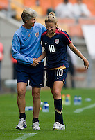 Aly Wagner, Pia Sundhage. The USWNT defeated Canada, 1-0, at Suwon World Cup Stadium in Suwon, South Korea, to win the Peace Queen Cup.