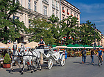 Dorożka konna na Rynku Głównym w Krakowie, Polska<br /> The cabana on the Main Market Square in Cracow, Poland