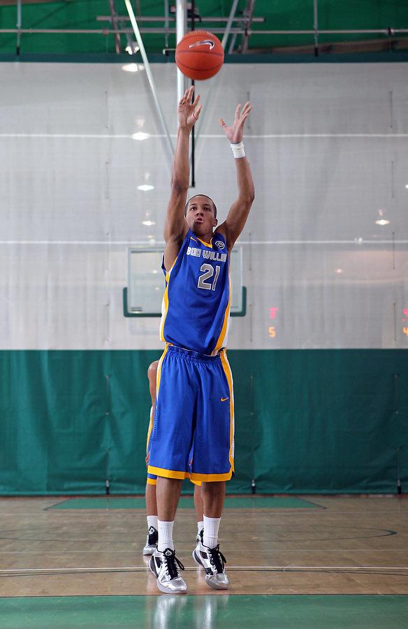 April 8, 2011 - Hampton, VA. USA; Josh Fortune participates in the 2011 Elite Youth Basketball League at the Boo Williams Sports Complex. Photo/Andrew Shurtleff
