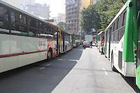 SAO PAULO, SP, 20/05/2014, GREVE ONIBUS SAO PAULO. Motorista e cobradores cruzam os bracos na ruas centrais de Sao Paulo, no final da manha dessa terca-feira (20). Onibus na Av Duque de Caxias.\LUIZ GUARNIERI/BRAZIL PHOTO PRESS.