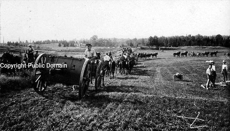"""Royal Canadian Artillery coming into camp, Valcartier"""", 17 August 1914"""
