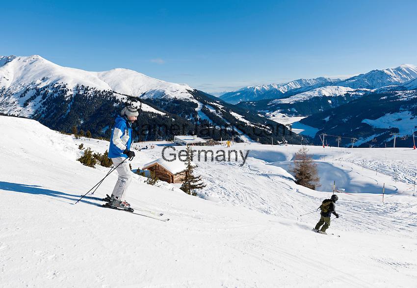 Austria, Tyrol, Ziller Valley Arena, Gerlos: ski region Isskogel, near mountain Inn Latschenalm; ski area Koenigsleiten at background | Oesterreich, Tirol, Zillertal-Arena, Gerlos: Skigebiet Isskogel, beim Bergrestaurant Latschenalm - im Hintergrund Skigebiet Koenigsleiten
