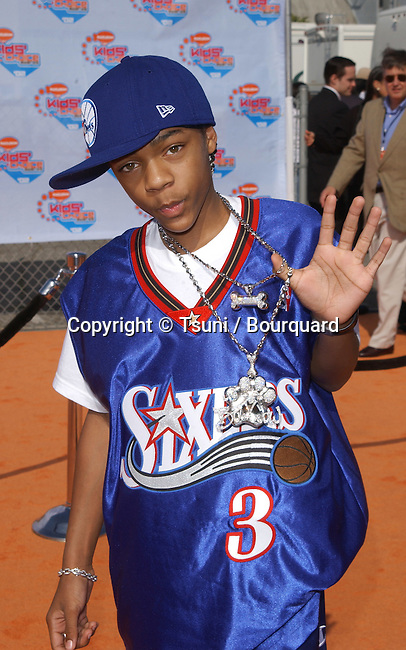 Lil Bow Wow arrives at the 15th Annual Nickelodeon Kids Choice Awards at the Barker Hangar in Santa Monica, CA on Saturday, April 20, 2002.           -            LilBow_01.jpg
