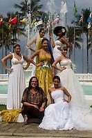 SANTOS, 03/09/2013, MANIFESTO DE NOIVAS - Uma manifestação criativa para chamar a atenção da população  e para promover feira  Fashion Noivas praia do Gonzaga em Santos litoral sul de Sao Paulo. (Fotos: FLAVIO HOPP/BRAZIL PHOTO PRESS)