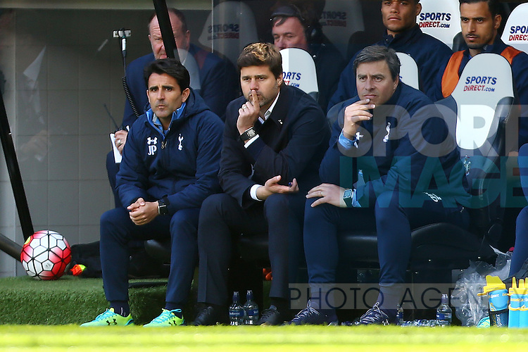 Mauricio Pochettino, Tottenham's Manager looks dejected during the Barclays Premier League match at St James' Park. Photo credit should read: Philip Oldham/Sportimage