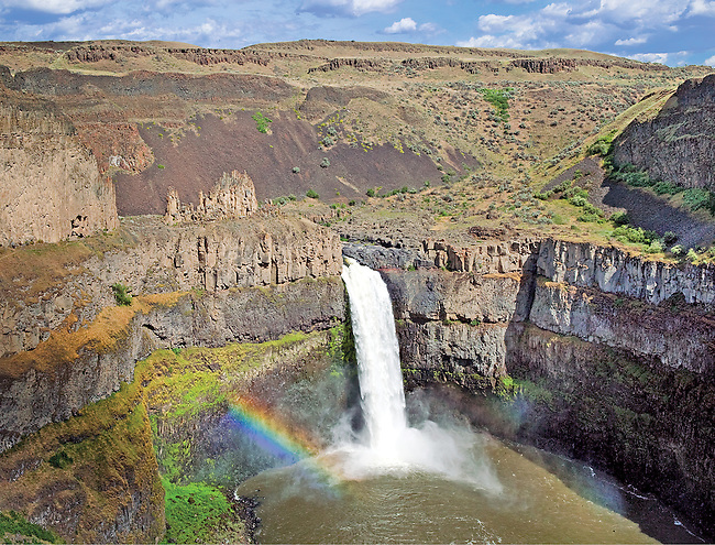 summer afternoon with rainbow at Palouse Falls, Eastern WA.