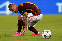 Calcio, Champions League, Gruppo E: Roma vs Barcellona. Roma, stadio Olimpico, 16 settembre 2015.<br /> Roma&rsquo;s Radja Nainggolan in action during a Champions League, Group E football match between Roma and FC Barcelona, at Rome's Olympic stadium, 16 September 2015.<br /> UPDATE IMAGES PRESS/Riccardo De Luca<br /> <br /> *** ITALY AND GERMANY OUT ***