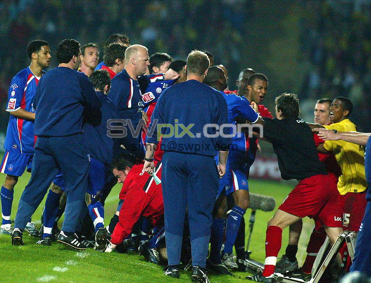 Pix: Danny Martindale/SWpix.com. Coca Cola Championship Play-Off 2nd Leg. Watford v Crystal Palace, 09.05.2006..copyright picture>>simon wilkinson>>07811267706>>..Ian Dowie in mide of mass fight.
