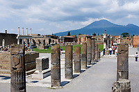 ITA, Italien, Kampanien, Pompei (Pompeji): antike altroemische Ruinenstadt, im Jahre 79 n. Chr. durch Ausbruch des Vesuvs unter Asche- und Bimsteinregen begraben | ITA, Italy, Campania, Pompei (Pompeji): ancient city of ruins, buried under ashes and cinders by eruption of vulcano Vesuvius in 79. AD