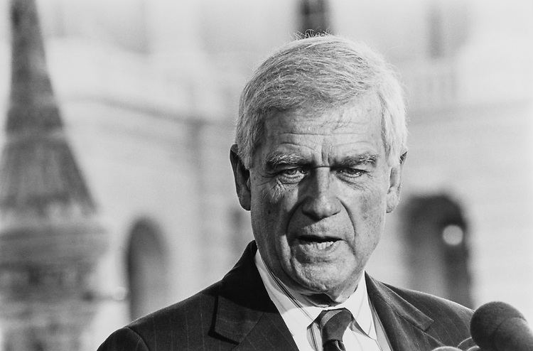 Close-up of Sen. Mark Hatfield, R-Ore. in Aug., 1992. (Photo by Maureen Keating/CQ Roll Call)