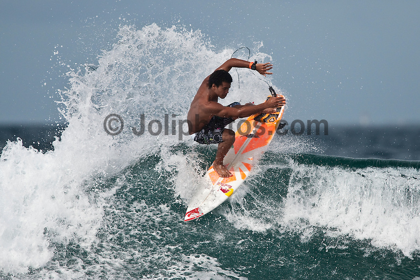 WIGGOLLY DANTAS (BRA)  surfing Pasta Point in the Maldives (Monday, June 8th, 2009). Photo: joliphotos.com