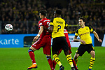 10.11.2018, Signal Iduna Park, Dortmund, GER, 1.FBL, Borussia Dortmund vs FC Bayern M&uuml;nchen, DFL REGULATIONS PROHIBIT ANY USE OF PHOTOGRAPHS AS IMAGE SEQUENCES AND/OR QUASI-VIDEO<br /> <br /> im Bild | picture shows:<br /> Dan-Axel Zagadou (Borussia Dortmund #2) im Duell mit Sandro Wagner (Bayern #2), <br /> <br /> Foto &copy; nordphoto / Rauch