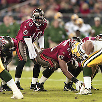Shaun King at quarterback as his Tampa bay Buccaneers defeat the Green Bay Packers 29-10 December 26, 1999.  (Photo by Brian Cleary/www.bcpix.com)