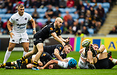 1st October 2017, Ricoh Arena, Coventry, England; Aviva Premiership rugby, Wasps versus Bath Rugby;  Joe Simpson spins the ball out wide from the base of a maul